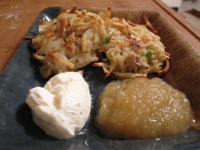 Potato pancakes with sour cream and applesauce = dinner of champions